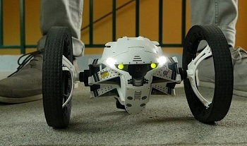 Parrot Jumping Sumo MiniDrone Buzz - ITMag